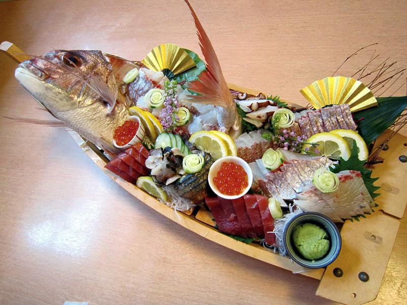 地魚刺身の舟盛り