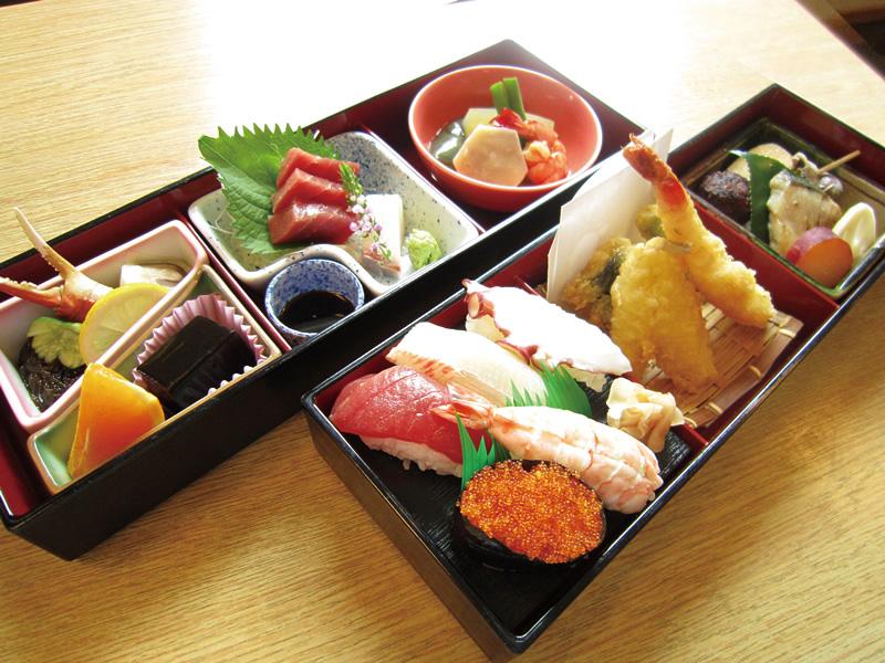 寿司入り賀茂弁当